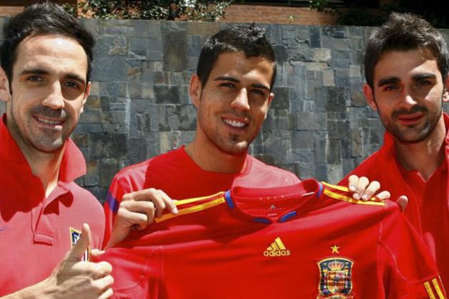 Domínguez, Juanfran y Adrián vuelven a dar un toque rojiblanco a la selección