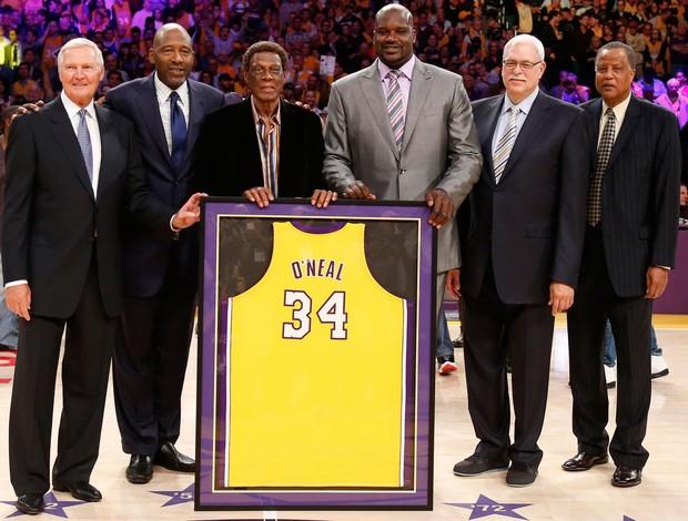 Lakers imortaliza camisa de Shaquille O'Neal
