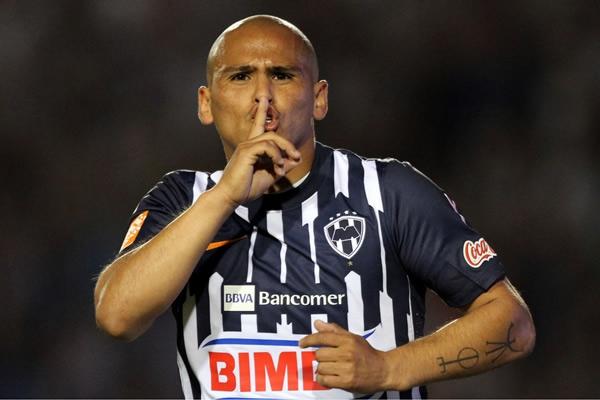 Los 10 futbolistas mejor pagados en México