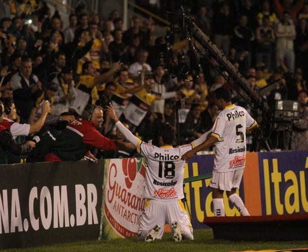 Com facilidade, Criciúma vence o Santos por 3 a 1
