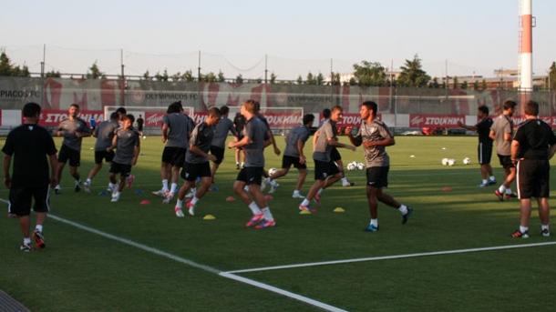 El Málaga prepara su cita ante el Olympiakos bajo el calor griego
