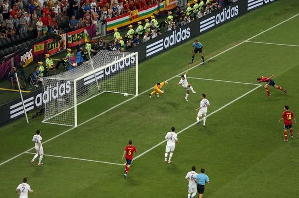 L'Espagne se qualifie en demi en trottinant