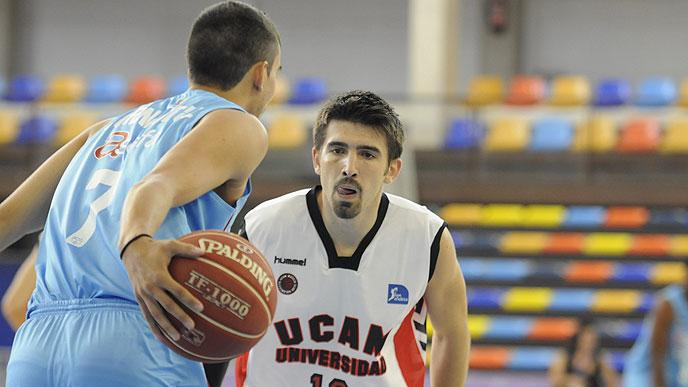 El 'Estu' inicia la pretemporada con victoria ante el Murcia