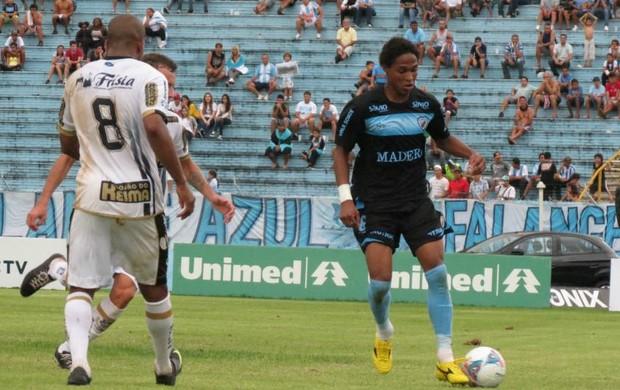 Londrina diz que trio só vai para o Palmeiras em definitivo