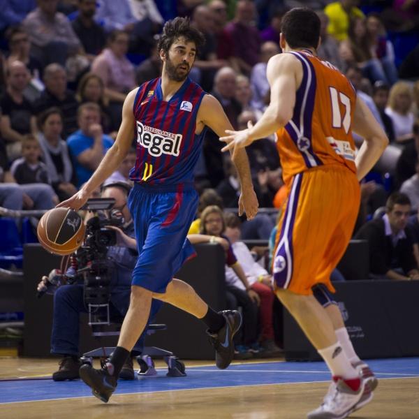 Navarro lidera al FC Barcelona en Valencia (64-80)