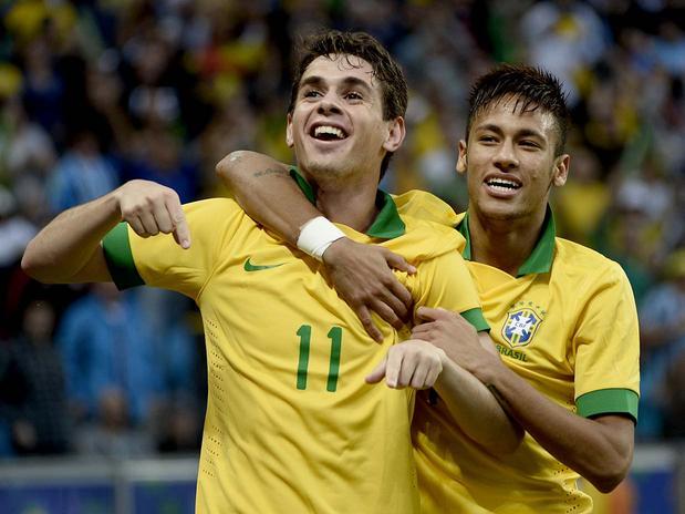 Brasil faz ótimo 2º tempo e vence a França por 3 a 0