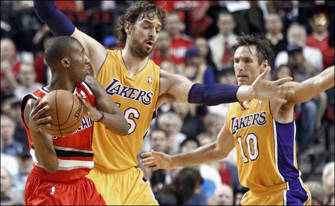Noche de pesadilla para los Lakers en Portland