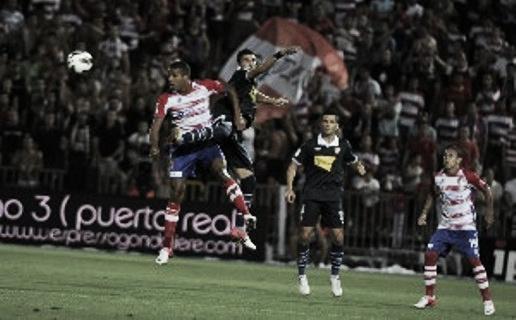 Sevilla y Granada se reparten los puntos en un duelo sobrado de cautela