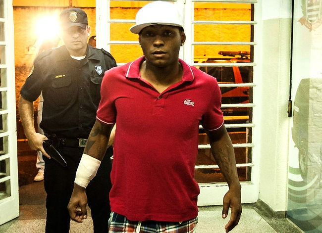 Por desacato a autoridade, Jobson é detido e liberado em seguida