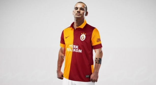 Wesley Sneijder s'engage officiellement avec Galatasaray