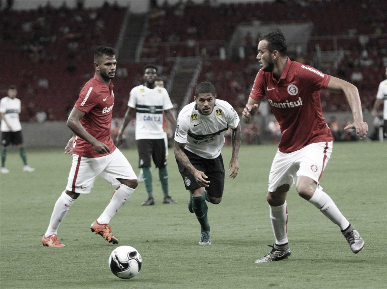 Coritiba enfrenta Internacional em seu retorno à Série A após três anos