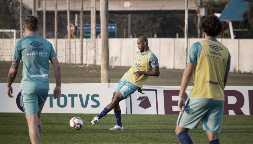 Na estreia do VAR na Série B, Avaí e Coritiba abrem returno em confronto direto pela liderança