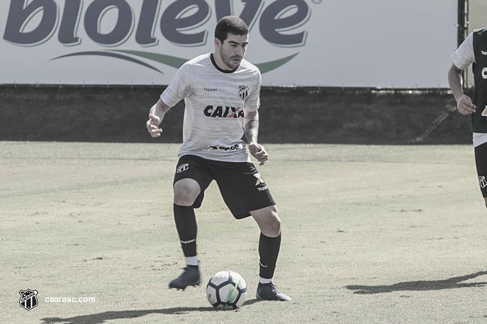 """Richardson pede foco ao Ceará contra o Botafogo: """"É vencer ou vencer"""""""
