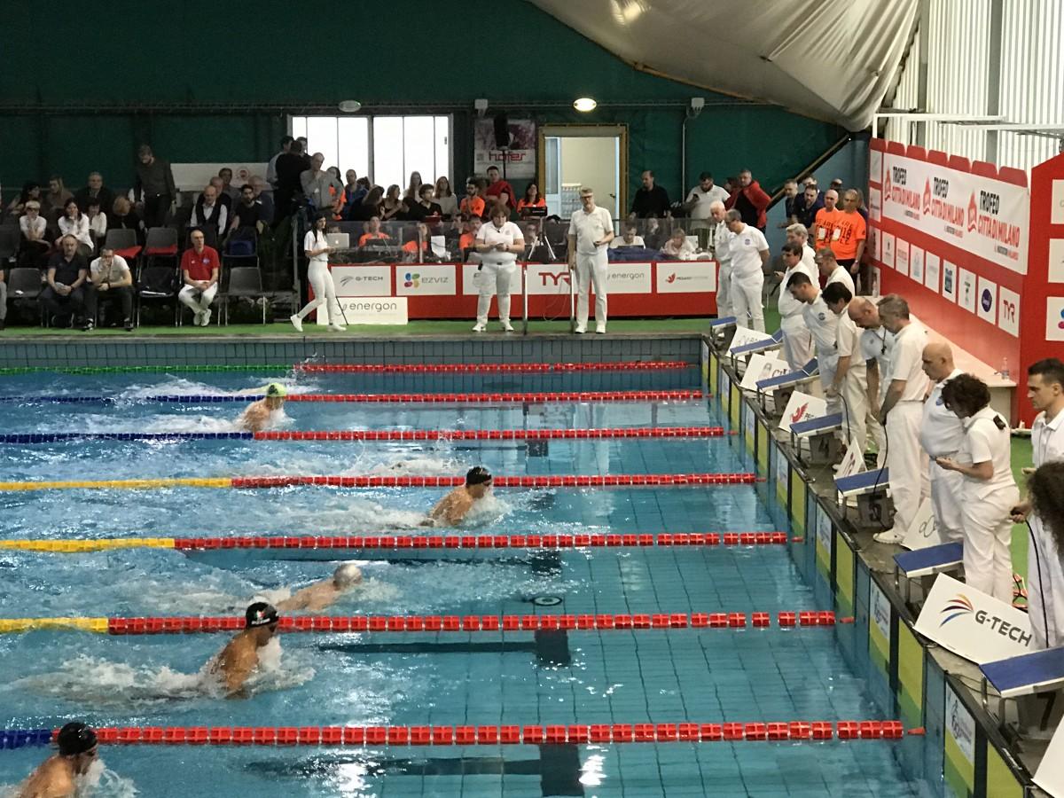 Nuoto, Trofeo Città di Milano 2018 - Bonnet intoccabile nelle batterie dei 100sl, Carraro solitaria a rana
