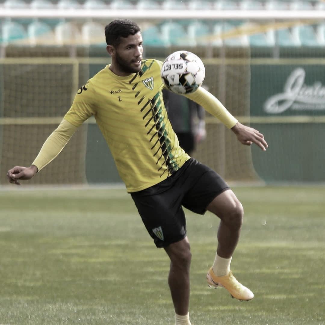Bebeto destaca início de trabalho no Tondela e espera manter titularidade no clube português