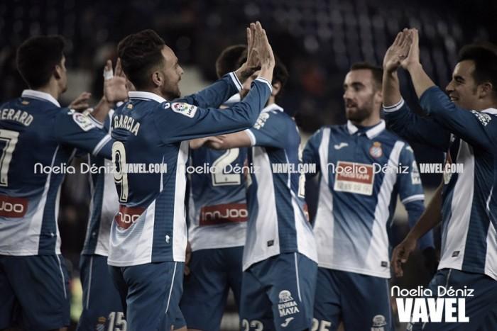 El Espanyol consigue la primera victoria a domicilio y condena al Málaga