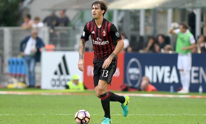 Milan, Romagnoli torna in gruppo alla ripresa degli allenamenti a Milanello