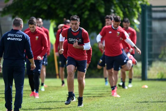 Genoa, primo allenamento nel ritiro di Acqui Terme. Ntcham torna a disposizione