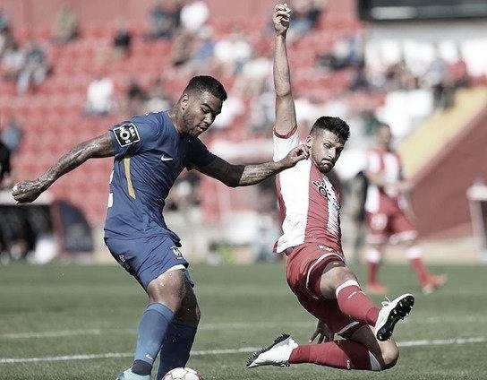 Meia do Marítimo, Jhon Cley destaca pausa no futebol português devido ao coronavírus