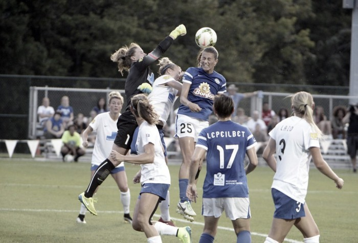 FC Kansas City midfielder Mandy Laddish signs updated contract