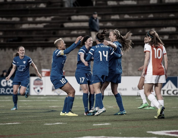 Boston Breakers re-sign Julie King for her sixth season