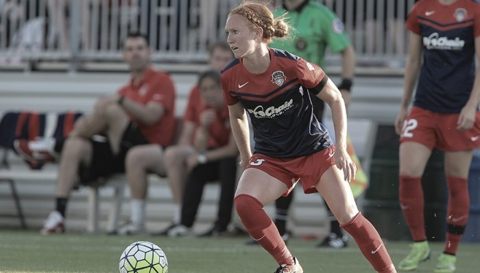 Washington Spirit re-signs Tori Huster