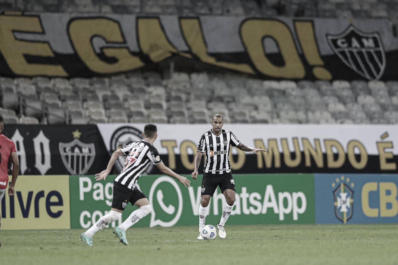 Atlético-MG goleia Atlético-GO no Mineirão em noite de argentinos