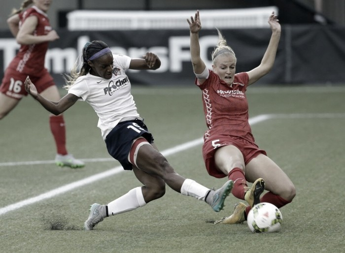 Crystal Dunn: Chelsea Ladies sign US winger