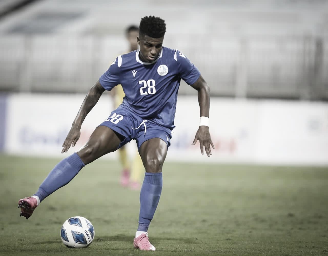 Erick Luís faz balanço da última temporada no Al-Hidd e espera permanecer no futebol árabe