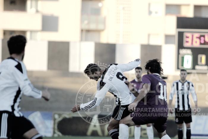 Reparto de puntos en La Linea entre la Balona y el FC Jumilla