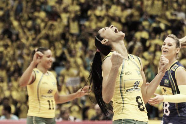 Com Ibirapuera lotado, Brasil vence Estados Unidos e mantém grande campanha no Grand Prix