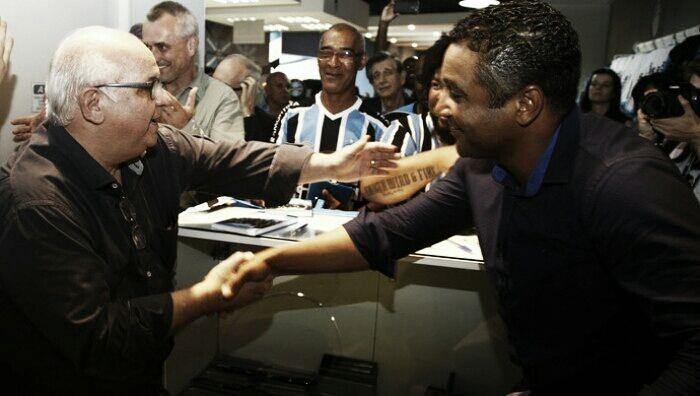 Roger Machado descarta Corinthians e confirma permanência no Grêmio