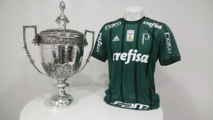 Palmeiras inclui estrela vermelha em homenagem ao título mundial de 1951