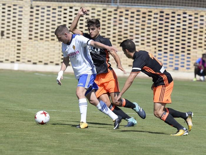 El Mestalla vence sin problemas al Deportivo Aragón
