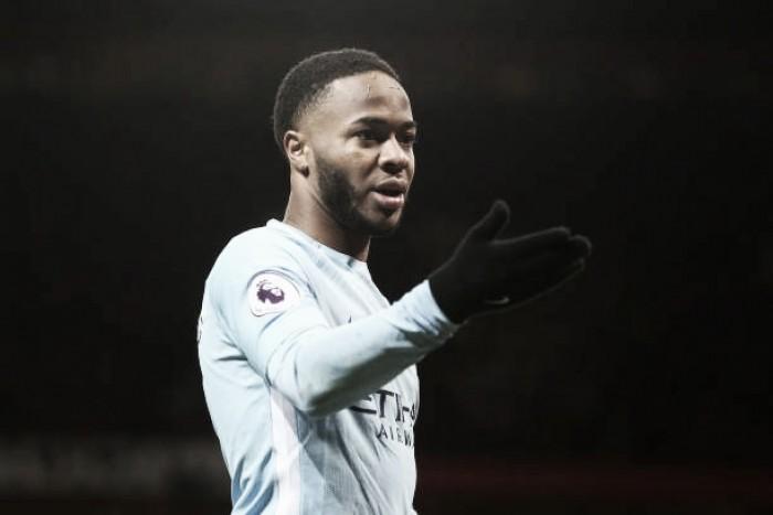 Sterling é vítima de racismo na chegada ao centro de treinamento do Manchester City