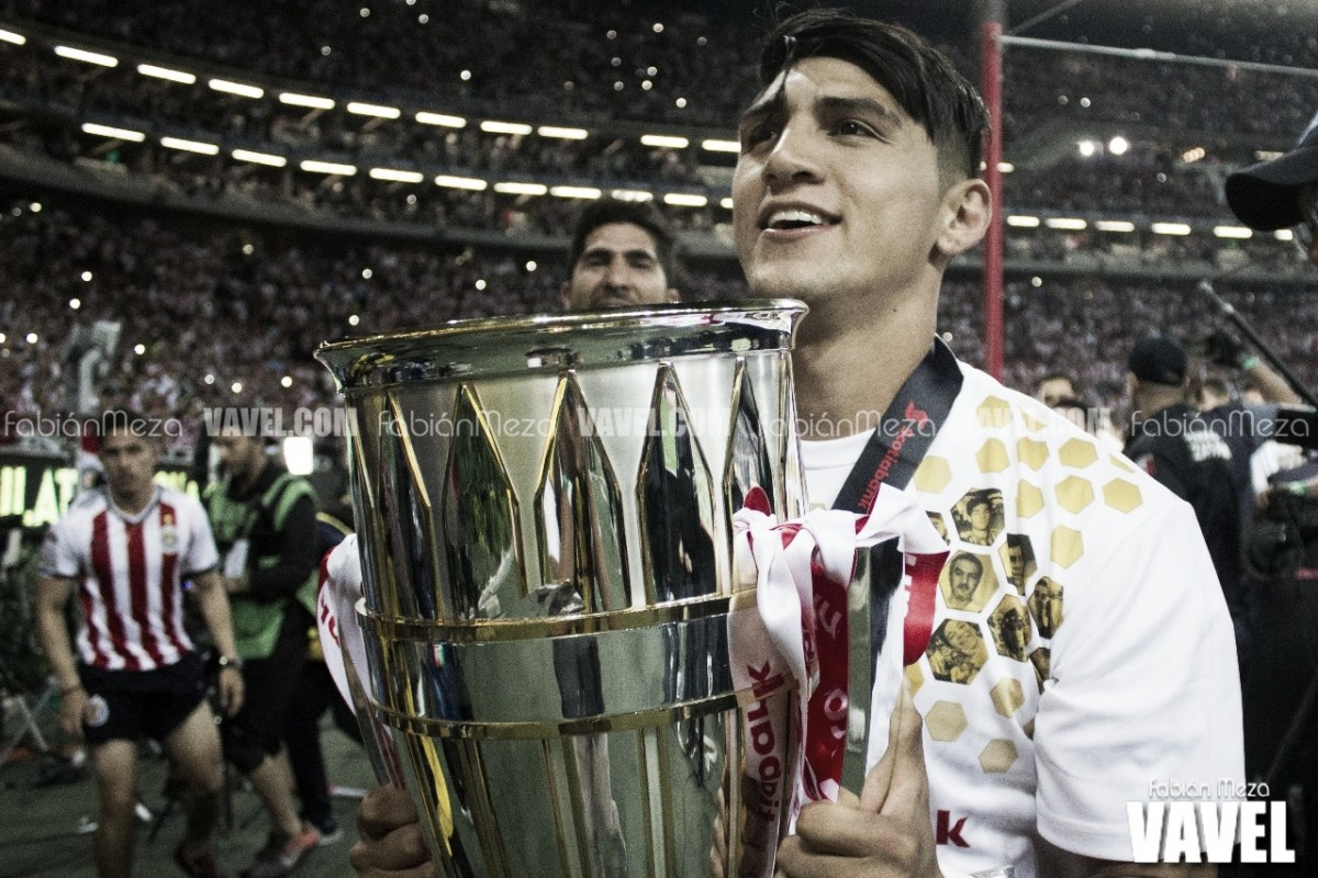 """Alan Pulido: """"Ha sido una época maravillosa en Chivas"""""""