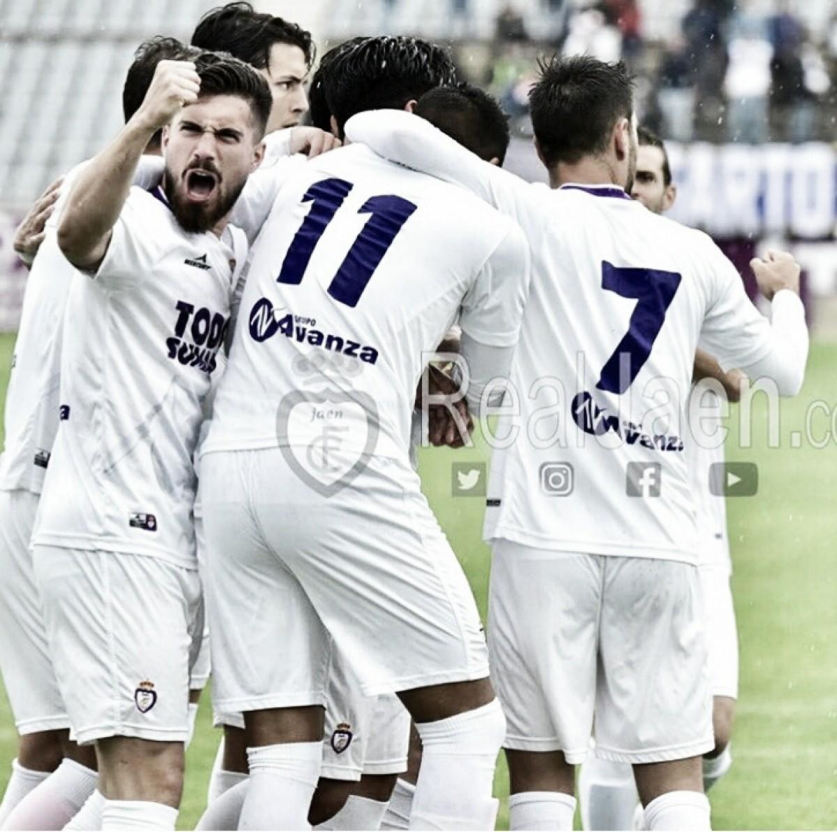 El Real Jaén a un punto de certificar su presencia en los playoff de ascenso