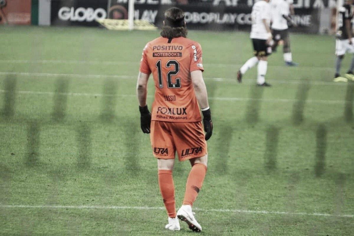 """De volta ao gol do Corinthians, Cássio celebra atuação contra Botafogo: """"Fiz meu melhor"""""""