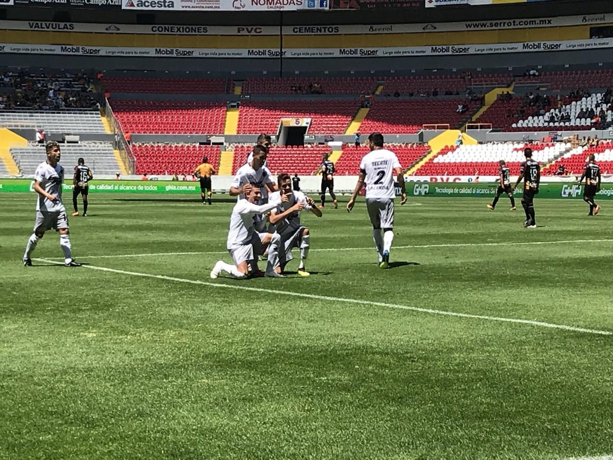 Bravos le saca tres puntos a U de G en el cierre del partido