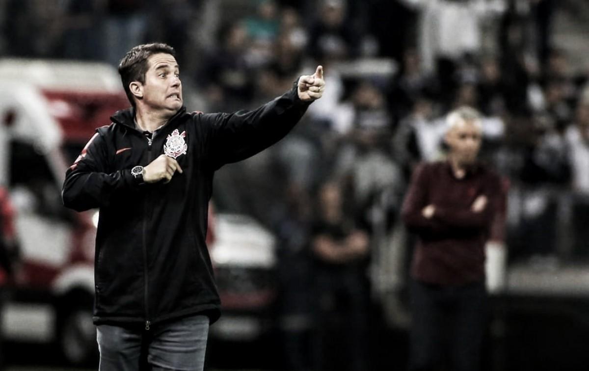 Sem titulares, Loss vê rendimento do Corinthians positivo após empate sem gols contra Atlético-PR