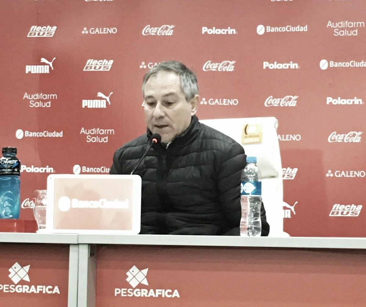 """Ariel Holan: """"Si necesitamos 5 ocasiones para hacer un gol se es difícil ser competitivo"""""""