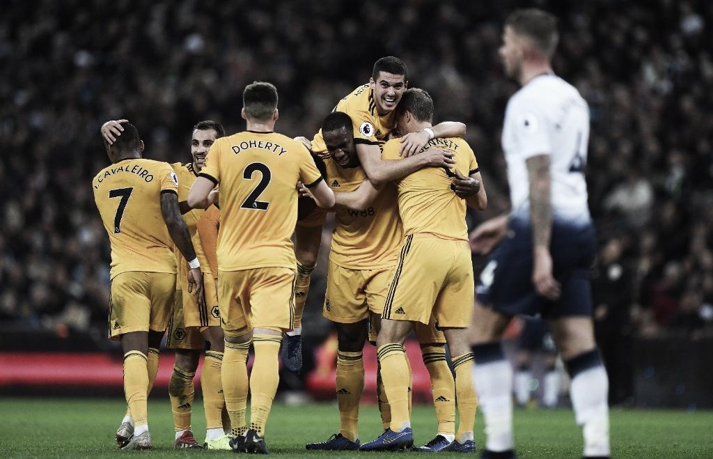 Com virada surpreendente, Wolverhampton faz três no Tottenham e dispara na tabela