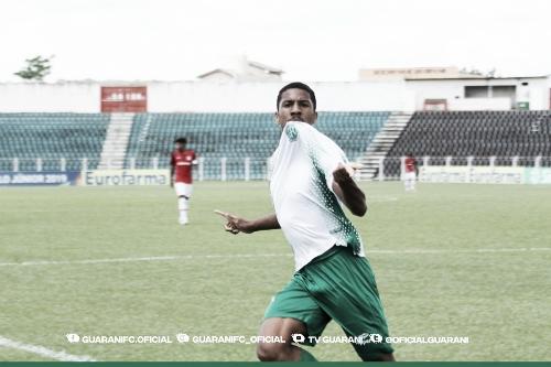 Davó faz quatro eGuarani goleia Internacional pela Copa São Paulo