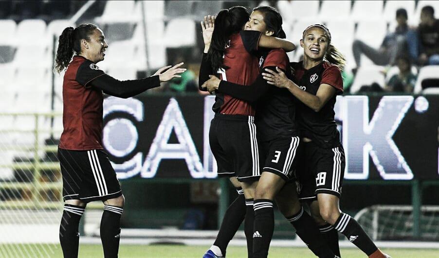 Atlas Femenil triunfa en León y acaricia liderato de grupo