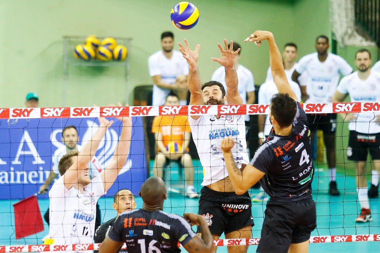 Em duelo direto contra rebaixamento, Corinthians vence Caramuru Vôlei