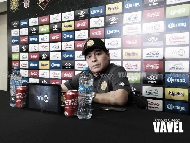 """Diego Armando Maradona: """"Que los jugadores no se vayan por un pedazo de tela, sino por el corazón"""""""