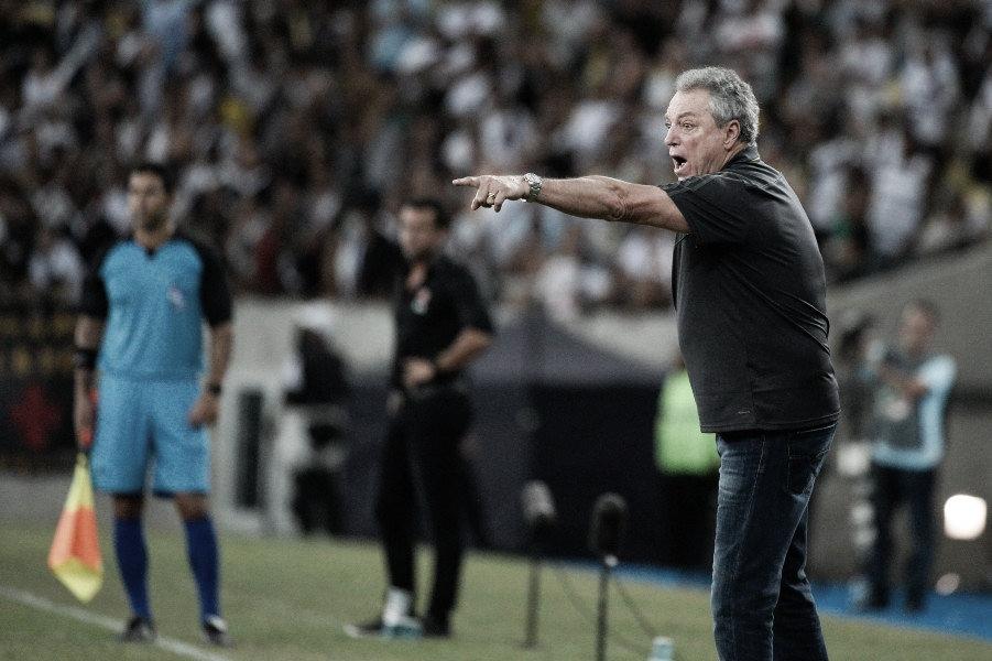 """Abel avalia erros do Flamengo em gols sofridos e afirma: """"Isso vai mudar para o próximo jogo"""""""