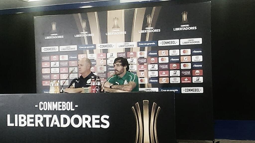 """Ricardo Goulart aprova própria atuação em vitória do Palmeiras: """"Fico feliz com meu desempenho"""""""