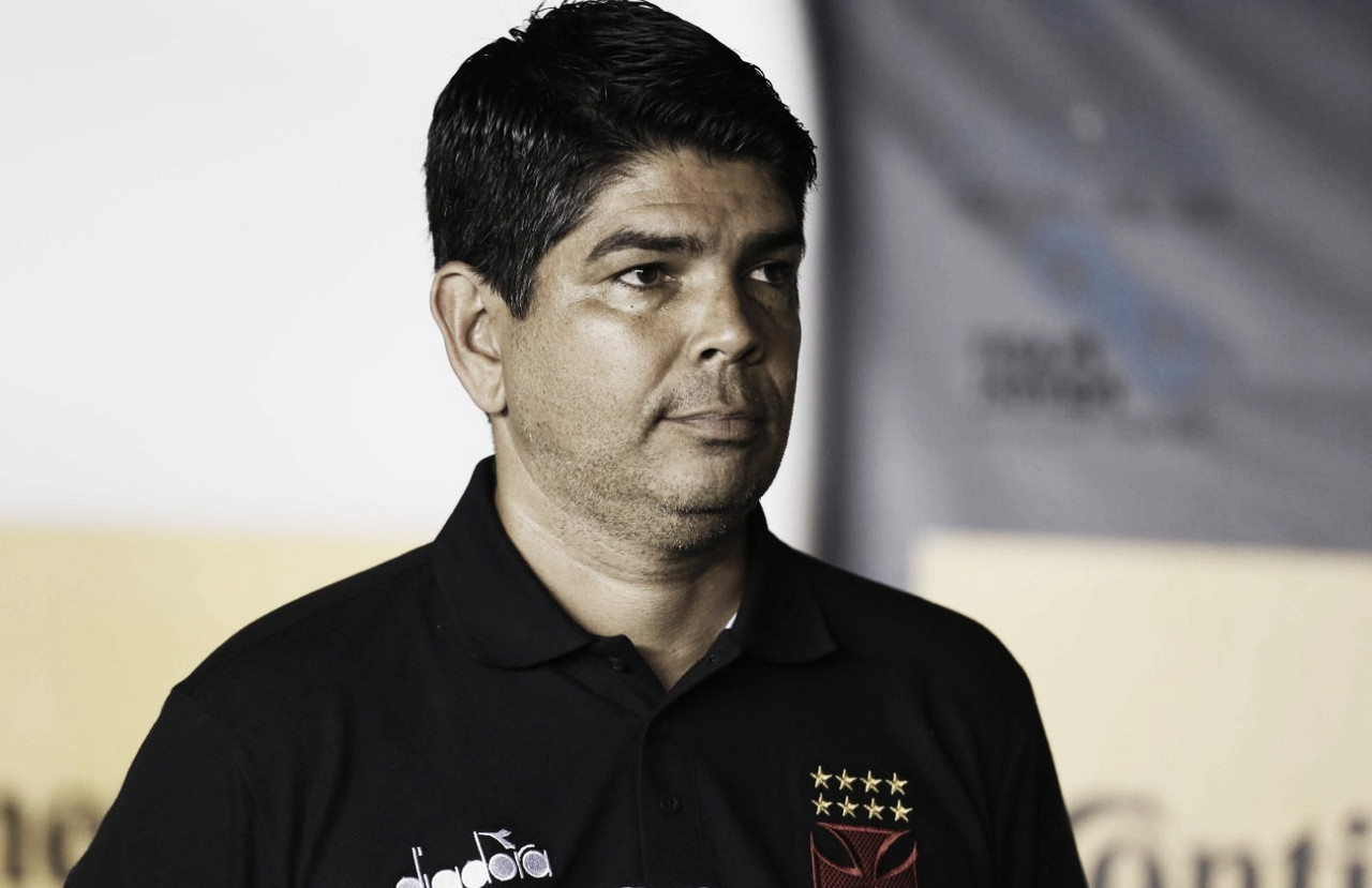 """Valadares lamenta jogo vascaíno e elogia equipe do Athletico: """"Uma das melhores"""""""