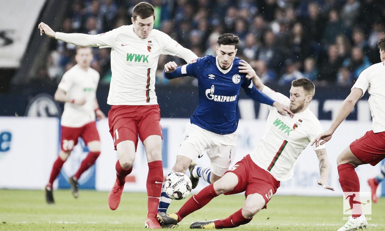 Alívio do gigante! Schalke empata com Augsburg e se livra do rebaixamento na Bundesliga